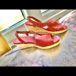 Shoes - Red NATURALIZER Espadrilles 🌞 🌈 ☁️ 🌺